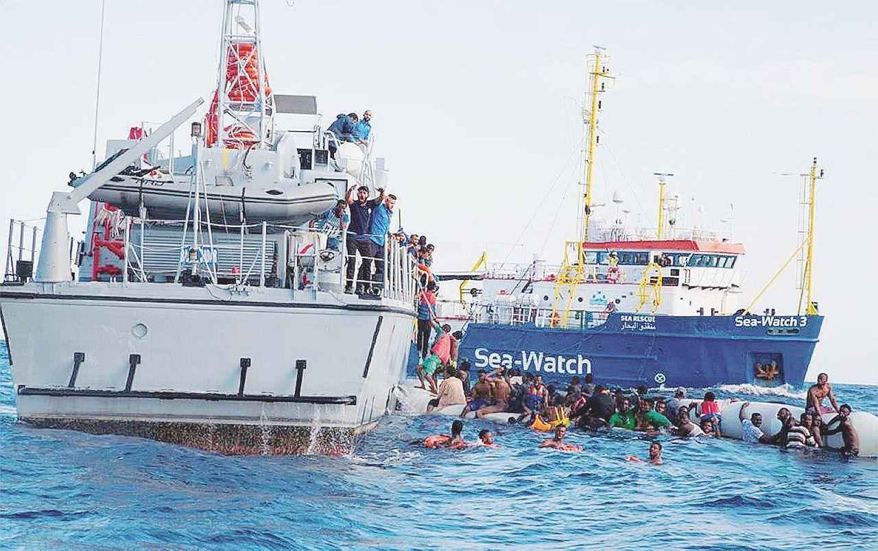 "A bordo della Ong: ""I libici ostacolano i soccorsi"""