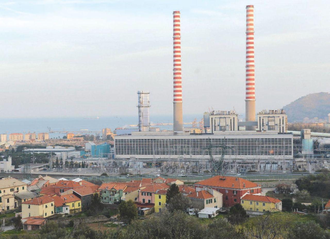 """Tirreno Power, il Cnr: """"Fino al 60% di morti in più vicino alla centrale"""""""