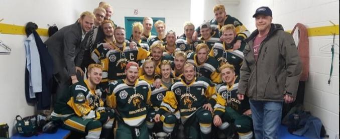 Canada, bus di una squadra giovanile di hockey si schianta contro un camion: 14 morti