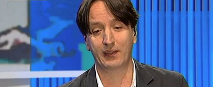 Jacopo Iacoboni, negato l'accesso al convegno dell'associazione Casaleggio al cronista de la Stampa. Carelli lo difende