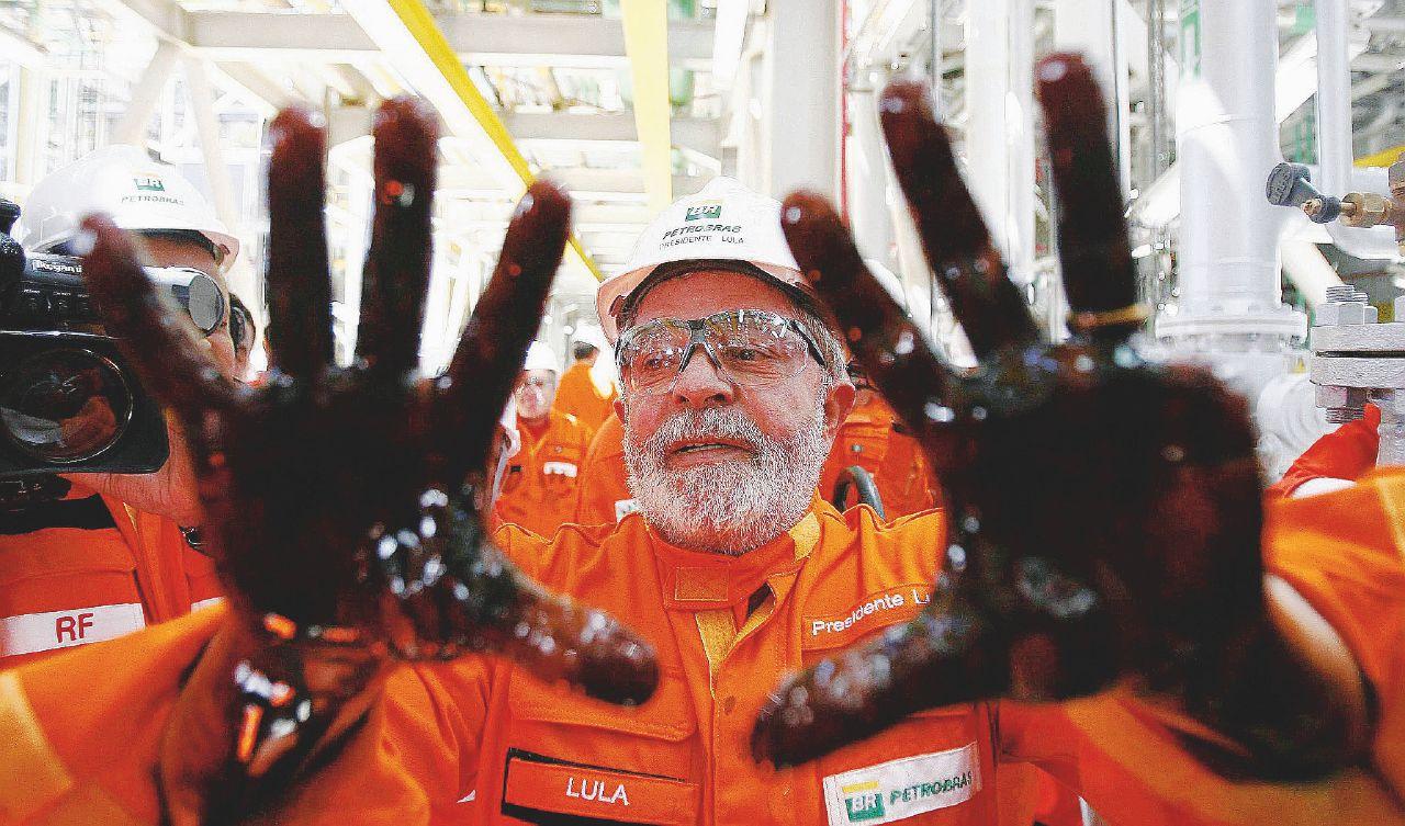 """Lula balla l'ultimo samba """"Uscirò più forte e innocente"""