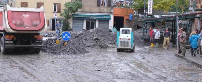 """Greenpeace: """"Generali non assicura chi è a rischio alluvioni mentre finanzia i responsabili dei cambiamenti climatici"""""""