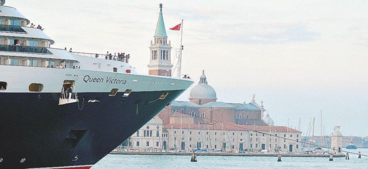 Grandi Navi, istruttoria dell'Unesco su Venezia: a rischio il riconoscimento come patrimonio dell'umanità