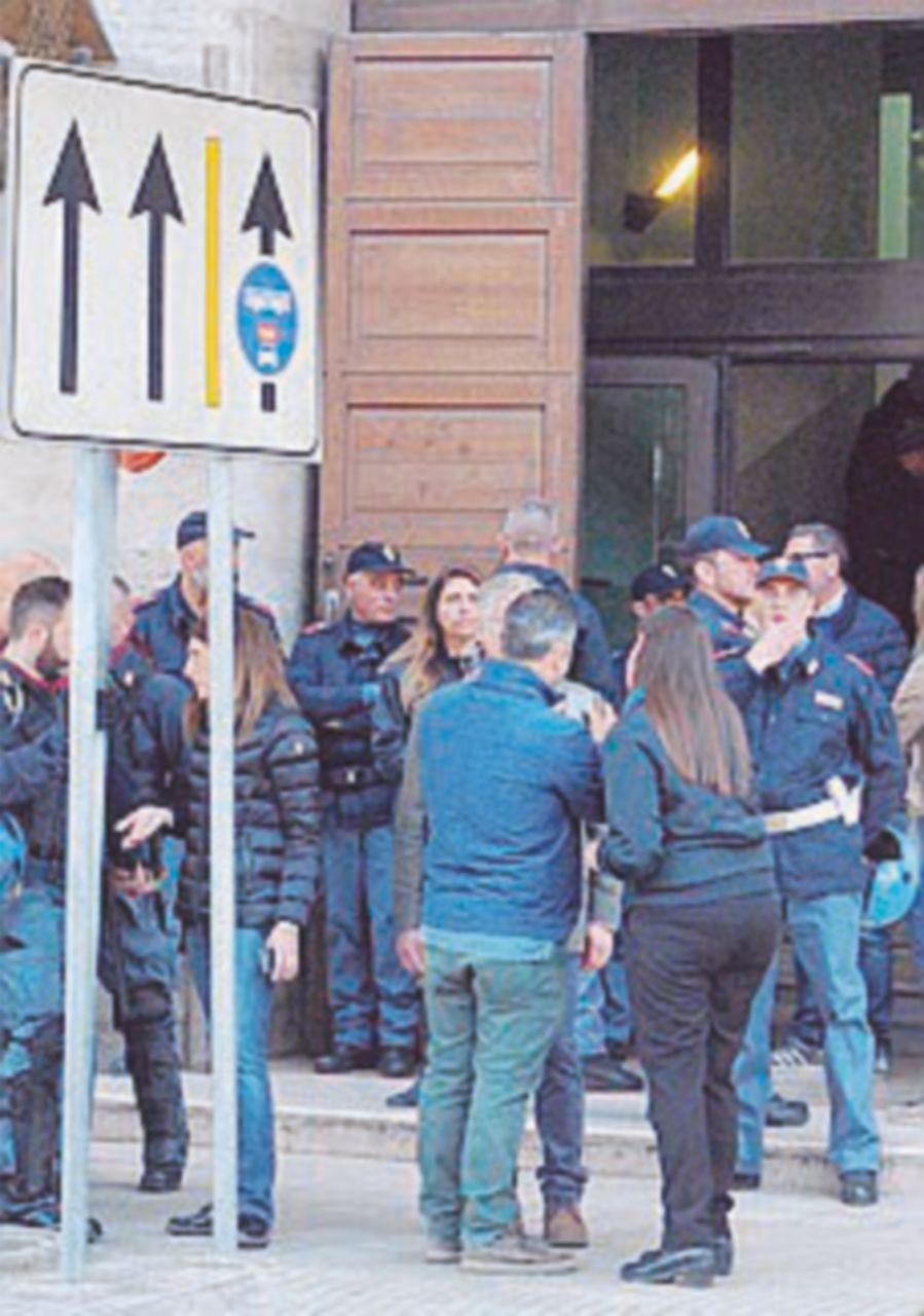 Melendugno, scontri quattro agenti feriti e arresto di un No Tap