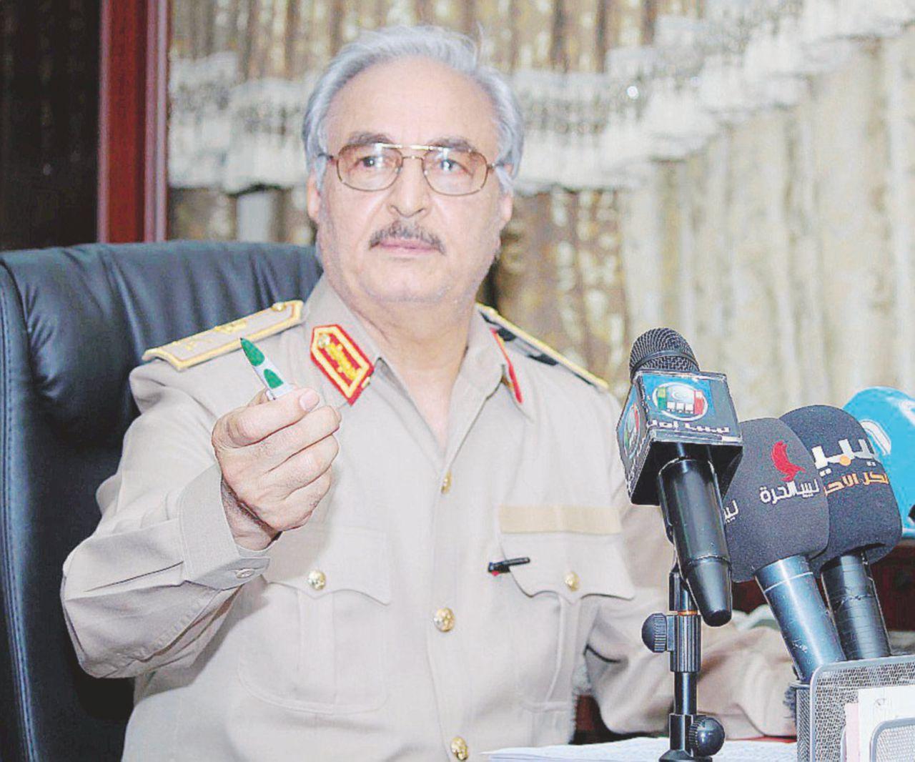 """Libia, l'enigma del generale: """"Haftar è morto a Parigi"""""""