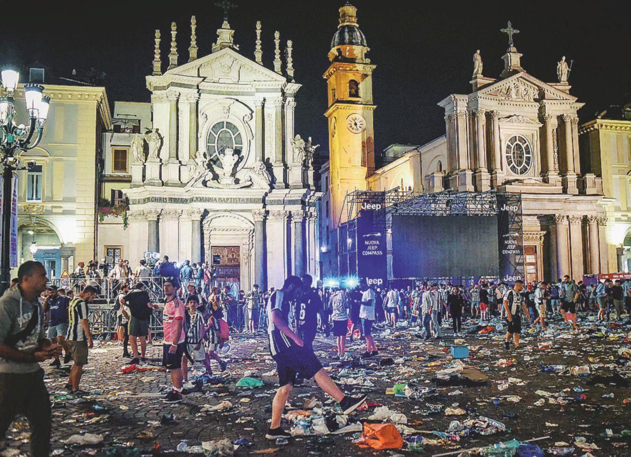 """Il """"casino"""" in Piazza San Carlo colpa della banda di Budino"""