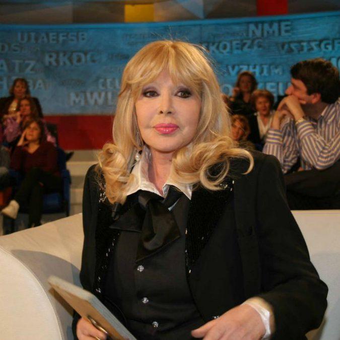 """Isabella Biagini morta, addio all'attrice e showgirl. Disse: """"Rovinata perché non cedetti ad avance"""""""
