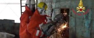 """Naufragio 18 aprile 2015, la missione dei Vigili del fuoco nel barcone: """"Per non calpestare i morti, lavoravamo sdraiati sui corpi"""""""