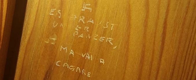 """Roma, scritta con svastica sulla porta di un bagno della Camera dei deputati: """"Il carro armato sta ruggendo"""""""