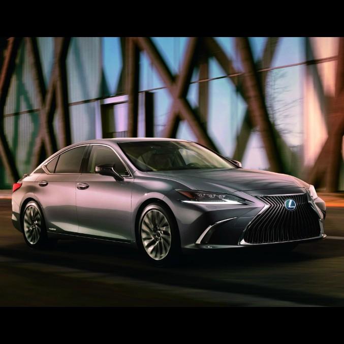 Lexus ES, la prima immagine della nuova berlina di lusso made in Japan