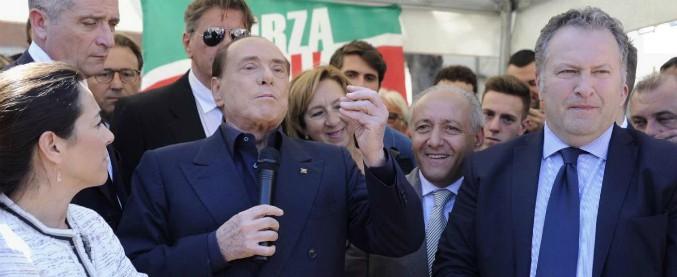 """Berlusconi bombarda centrodestra e trattative di governo: """"Il M5s è un pericolo come i comunisti. Intesa col Pd"""""""