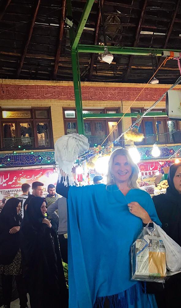 Iran, schiaffeggiata perché indossava male il velo. A quest'obbligo io dico No