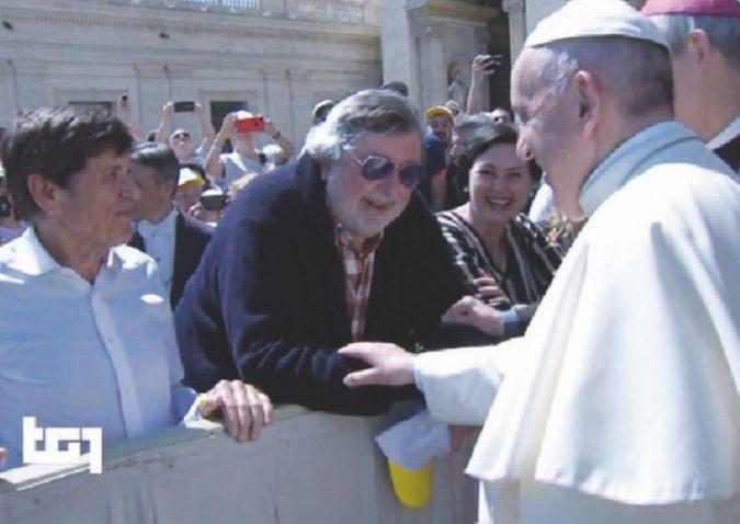 """""""Dio è risorto"""": Guccini da Bergoglio"""