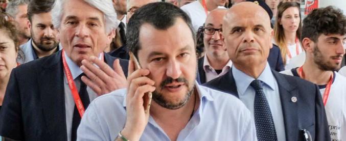 """Salvini: """"Datemi ancora qualche giorno"""". E attacca Berlusconi: """"Meglio lavori umili che altri in giacca ma con mazzette"""""""