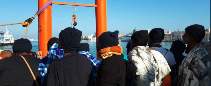 Trapani, 537 migrants arrived at the port on board the Aquarius ship