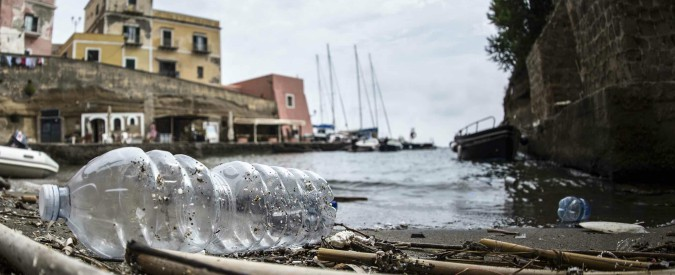 Isole Tremiti e Portici (Napoli) come il Nord Pacifico: alti picchi di microplastiche nelle acque del mare