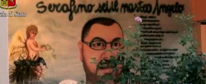 """Roma, sull'immobile comunale il murale dedicato al boss ucciso: """"Sei il nostro angelo"""". In 5 anni nessuno lo ha rimosso"""