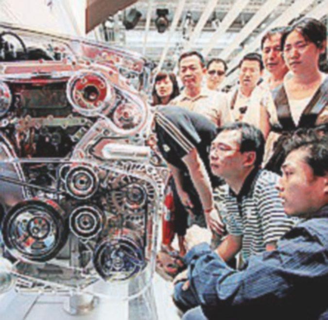 La Cina apre alle aziende straniere Conviene?