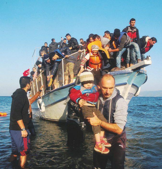 Assalto ai profughi a Lesbo. Sicilia, è ancora sos sbarchi