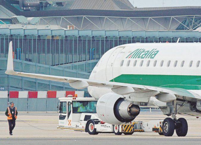 La Ue indaga per aiuto di Stato sul prestito pubblico ad Alitalia