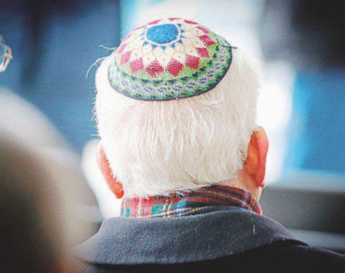 """Il leader degli ebrei tedeschi: """"Non portate la kippah, è rischioso"""""""
