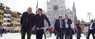 """Renzi invoca """"un giorno di riflessione"""". Poi in piazza a Firenze ferma i passanti: """"Vuoi governo Pd-M5s?"""""""