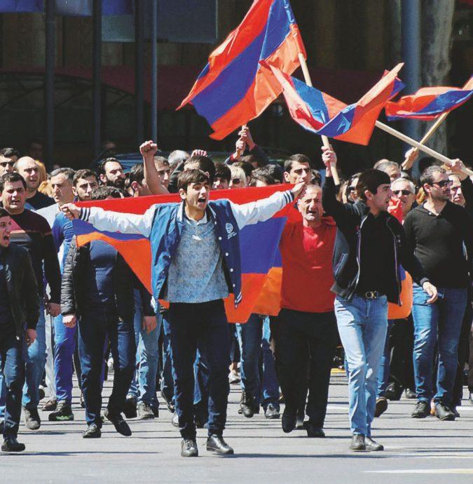 L'eterno ribelle e l'oligarca. L'Armenia sulle barricate