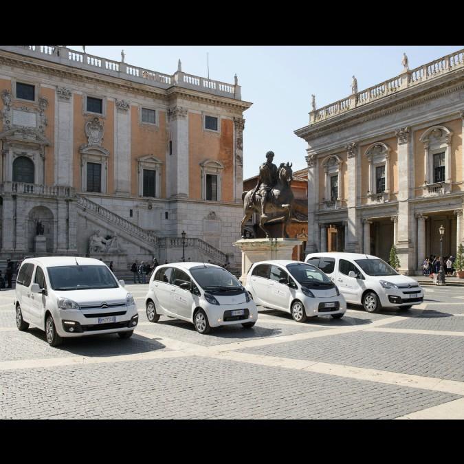 Roma, Psa fornisce quattro auto elettriche all'amministrazione comunale – FOTO