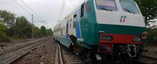 """Incidente ferroviario nel Cuneese, treno fuori dai binari: 10 feriti lievi. Rfi: """"La causa è una gru privata"""""""