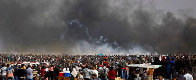 """Gaza, quinto venerdì di scontri: tre palestinesi morti e oltre trecento feriti. Amnesty: """"Embargo armi a Israele"""""""
