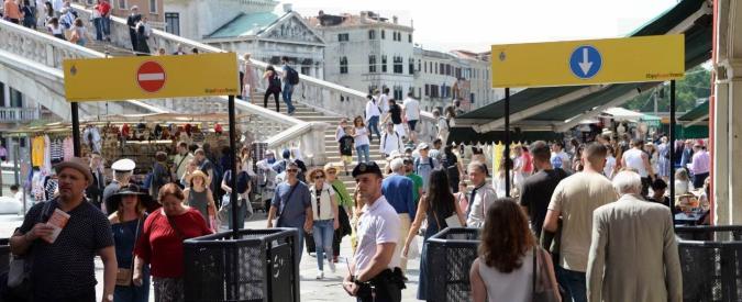 Venezia come un museo: tassa di ingresso da 3 a 10 euro per i non residenti e sistema di prenotazione con costi variabili