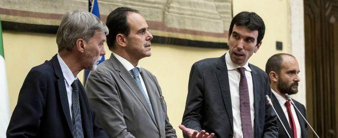 """Pd, documento dei renziani: """"No alle conte in direzione"""". Renzi: """"No a rotture"""". Franceschini: """"Ok, voti fiducia a Martina"""""""