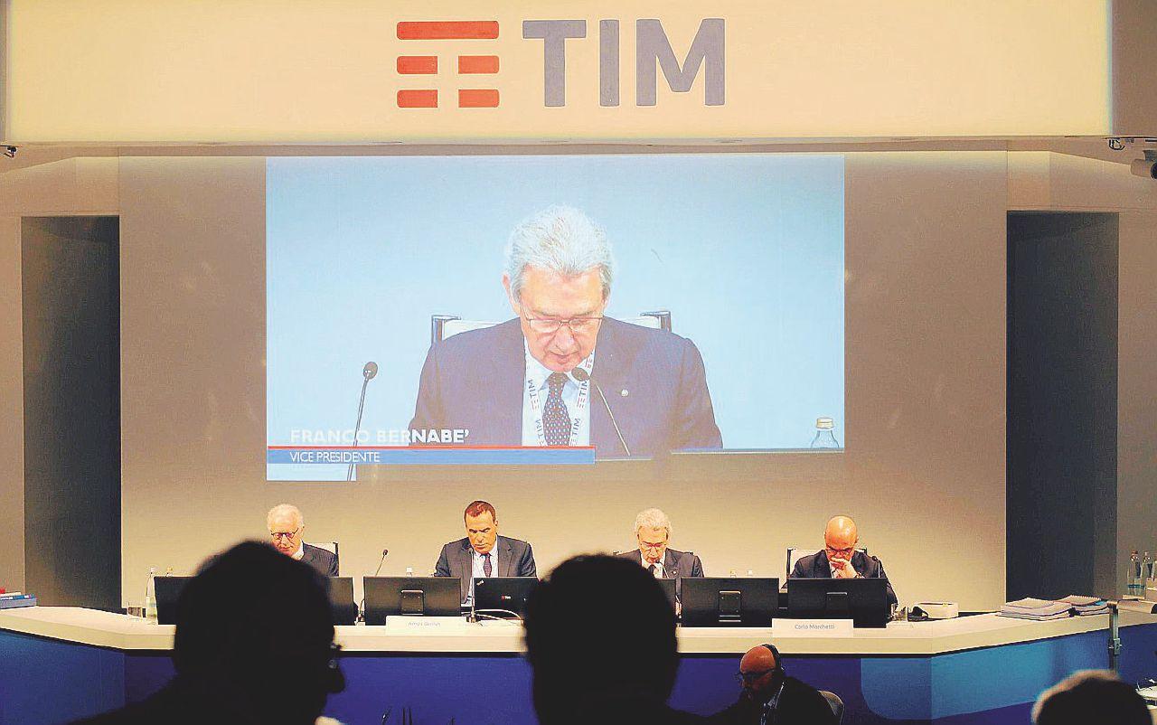 Tim, la Cdp in difficoltà sul duello Vivendi-Elliott