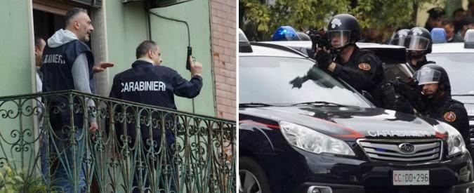 Napoli, 37enne uccide la madre e si barrica in casa per otto ore a Qualiano. Arrestato dopo un blitz dei carabinieri