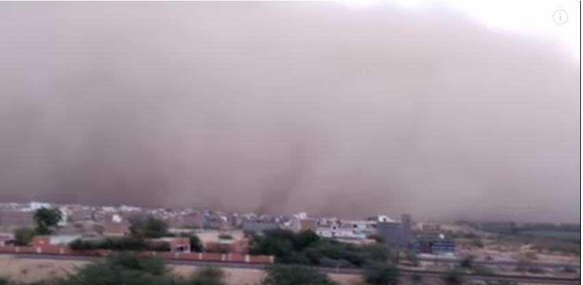 India, tempesta di sabbia e grandine: oltre 90 morti in due stati