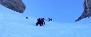 Tragedia sulle Alpi, le guide italiane difendono Castiglioni: 'Era attrezzato'. Ma la versione del sopravvissuto è diversa