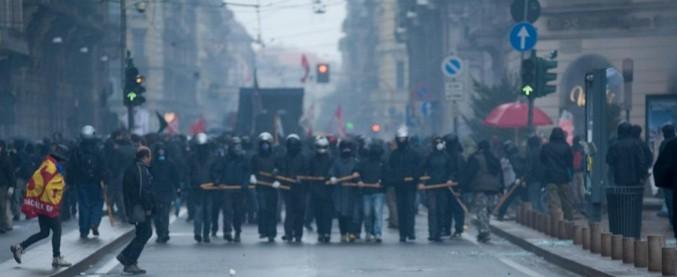 Milano, corteo contro Eni: allerta per l'arrivo di anarchici italiani ed europei
