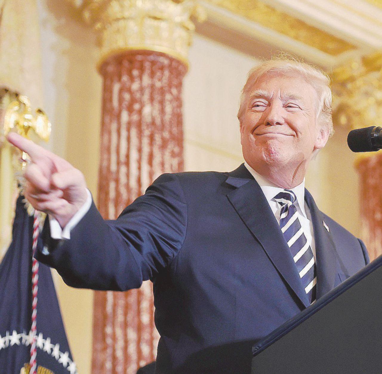 """Giuliani, Stormy e le tante """"verità"""" di The Donald"""