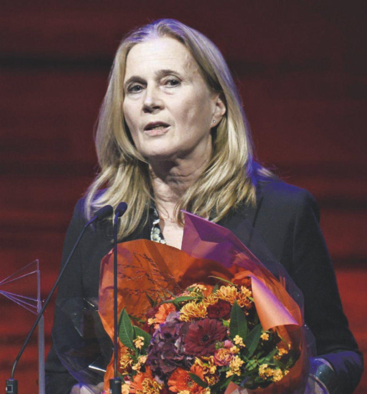 Stop al Nobel: l'Accademia litiga su affari e molestie