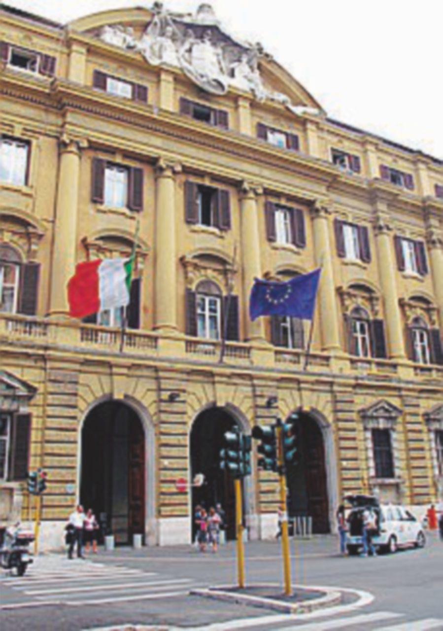 Parte il confronto sui dirigenti pubblici: aumenti di 250 euro