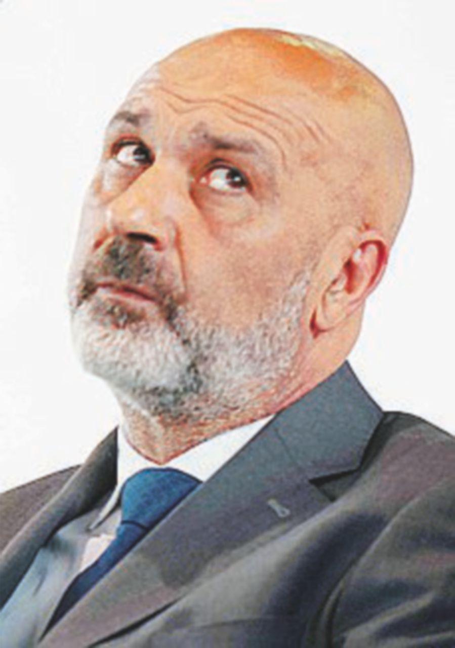 Pirozzi consigliere: adesso non è più sindaco di Amatrice