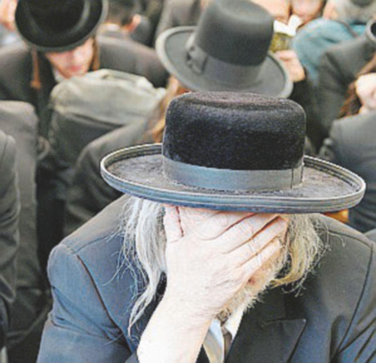 """La """"scorta"""" dei rabbini che vegliano su chi scrive anche durante lo """"shabbat"""""""
