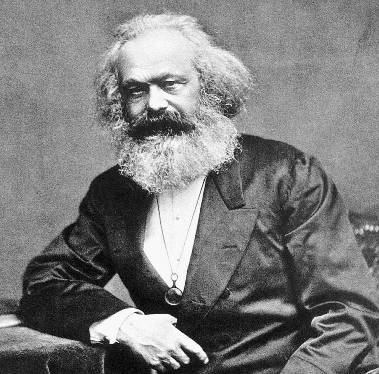 Il marxismo è vivo e lotta sempre in tutte le librerie