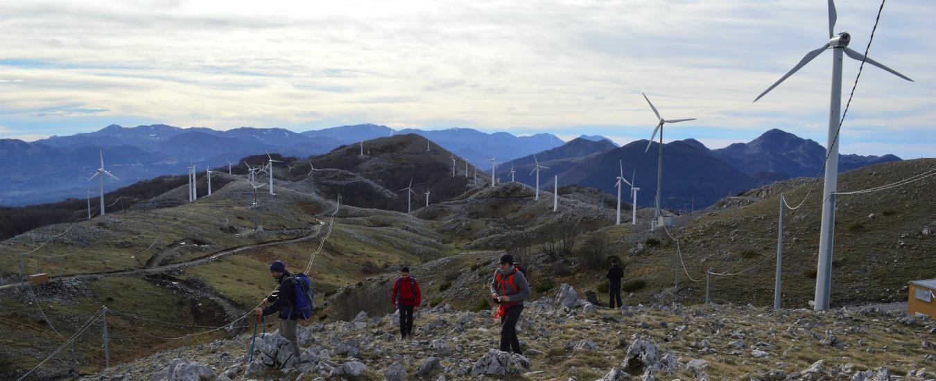 Energia eolica, fa gola alla malavita e distrugge i nostri monti