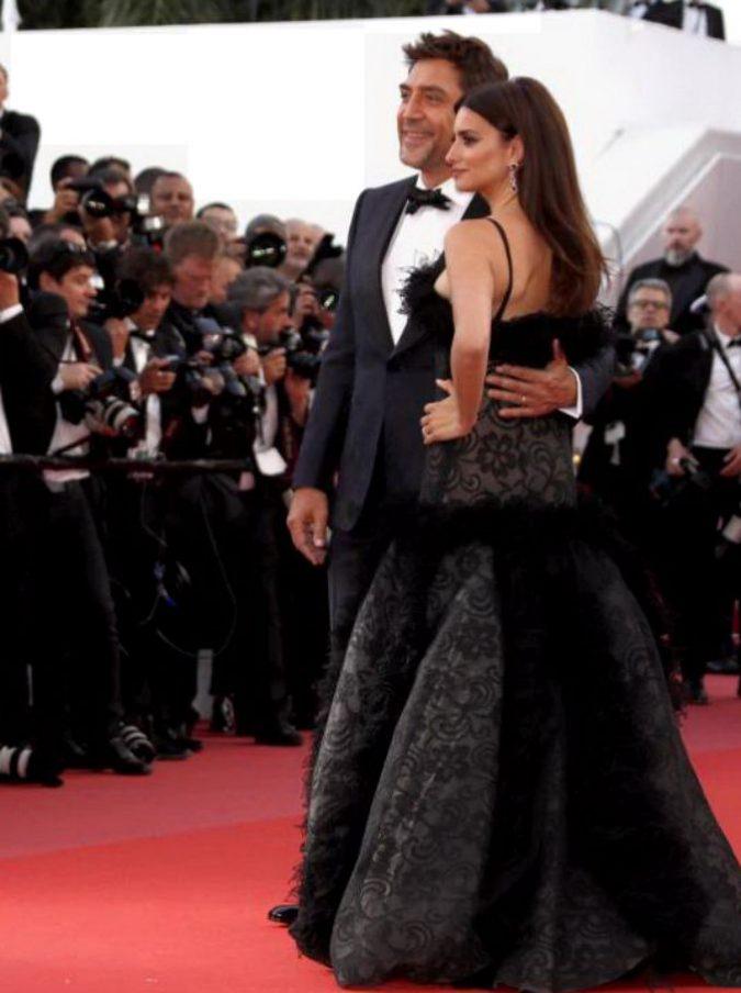 Cannes 2018, al via il festival: la giuria si tiene per mano. Sul red carpet Penelope Cruz, Javier Bardem e il maestro Martin Scorsese