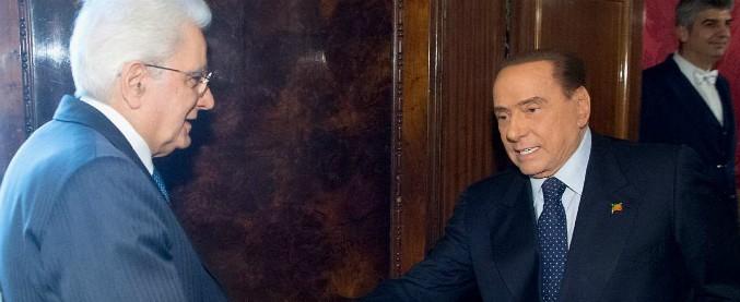 """Governo, dopo le consultazioni Berlusconi chiede di rimanere solo con Mattarella: """"Gli ho parlato della salute di Dell'Utri"""""""