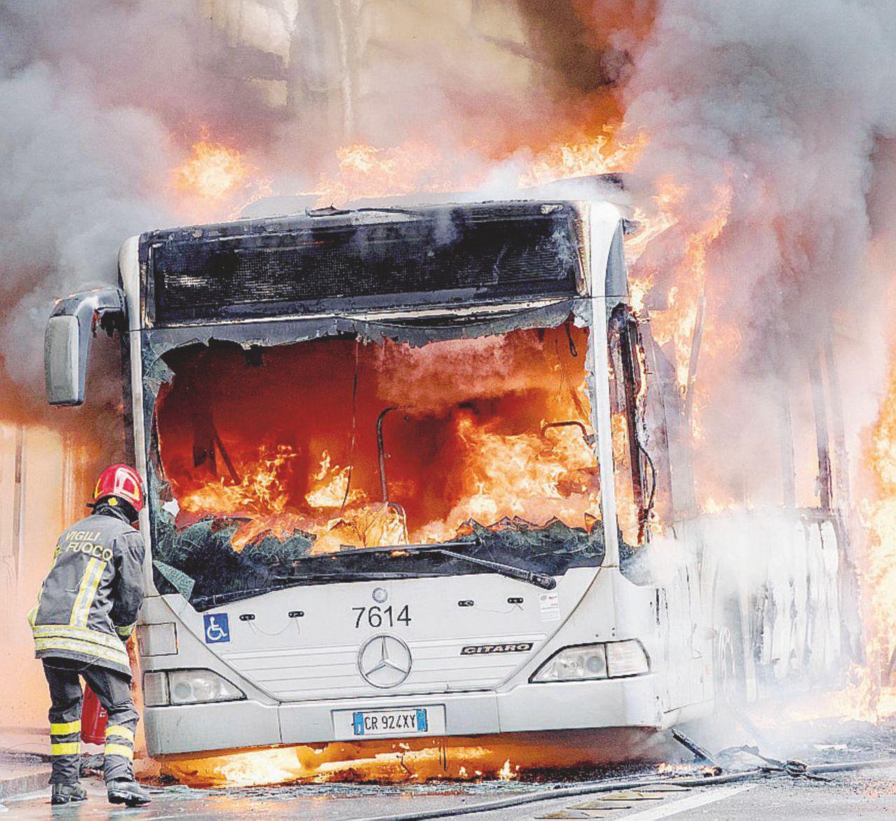Autobus vecchi e debiti. A Roma l'Atac va in fumo