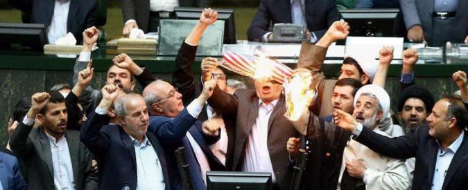 """Iran, 15 morti nell'attacco di Israele in Siria. Khamenei contro Trump: """"Non puoi fare un accidente!"""". Proteste a Teheran"""