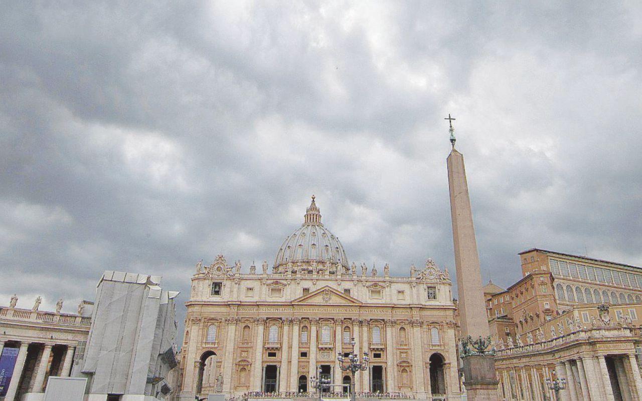 Blindati i conti Ior. Il Vaticano respinge i sequestri italiani