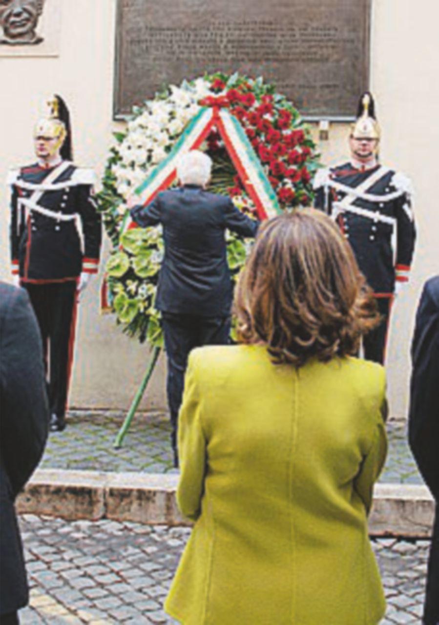 Da via Caetani al Quirinale, omaggio di Stato per Moro